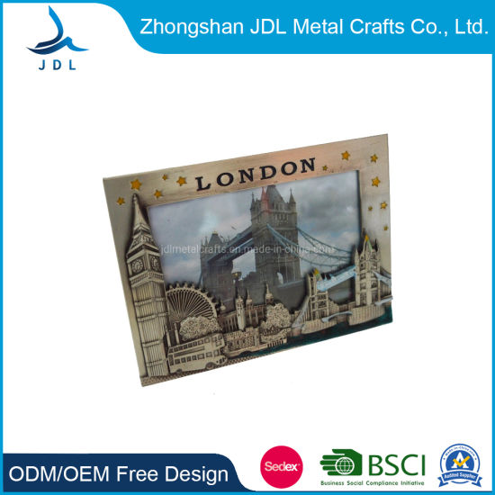 Custom Beautiful Girl′s Shadow Metal Craft Decoration Photo/Picture Frame (016) pictures & photos