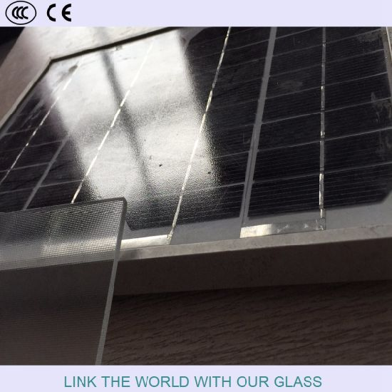 Clear Solar Glass for Solar Collector or Solar Panes pictures & photos