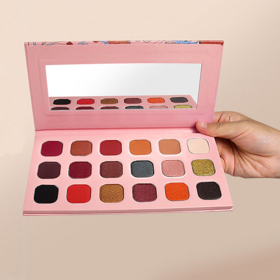 Low MOQ High Pigment Private Label 18 Color Glitter Matte Makeup Eyeshadow Palette