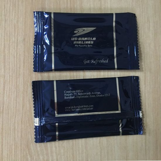 Custom Logo Airline Wet Wipes for Hand and Face pictures & photos