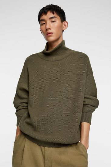 Men Fashion Knitted Sweater with Long Sleeve Round Neck