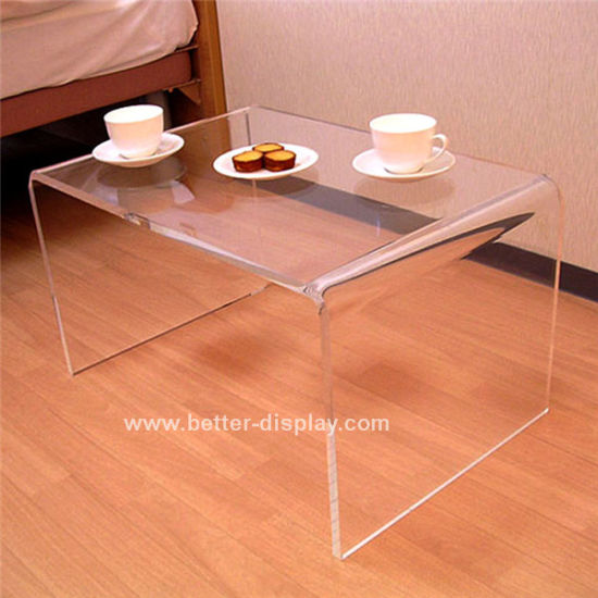 Clear Organic Glass Coffee Table (BTR-A1010)