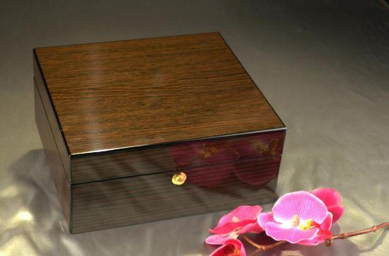 High Grade Brown Wooden Watch Box