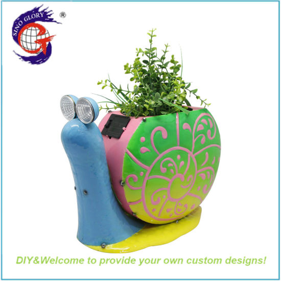 Decor Vivid Colored Snail Garden Lights with Flower Pots