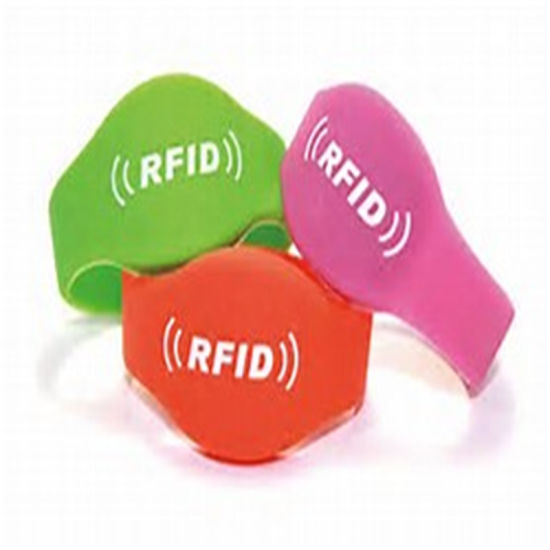 Customized Personal Design RFID Rubber Customized Gift Wristband Chip Color pictures & photos