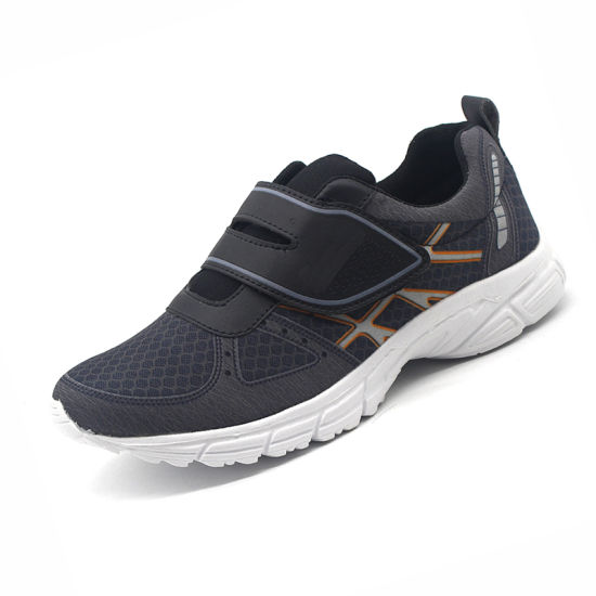 2019 Latest Durable Sports Shoe for Men with Factory Price