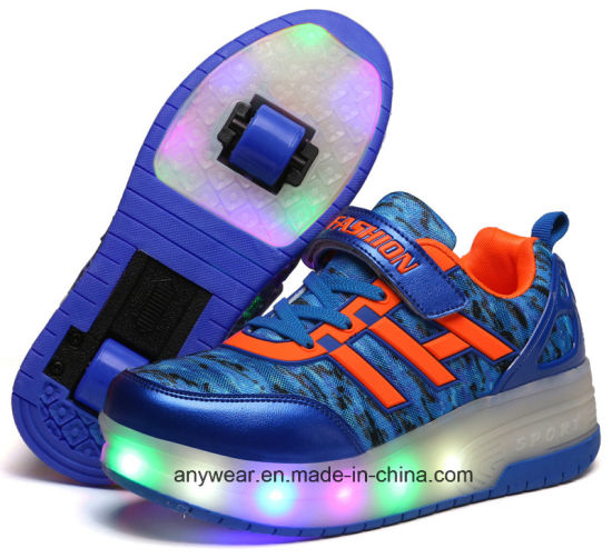 Fashion Roller Skating Sneaker Shoes (8086A) pictures & photos
