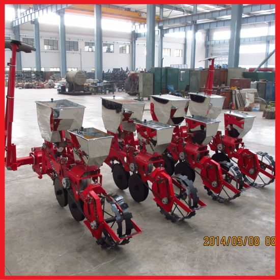 Soya Beans/Corn Seeding Machine with Fertilizer Spreader, Seeder pictures & photos