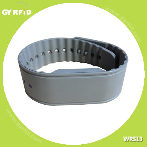 Wrs13  1k  Classic Silicon Wristband for Amusement Park (GYRFID) pictures & photos