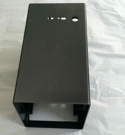 Precision CNC Machining&Black Powder Coating Aluminum Amplifier Box pictures & photos