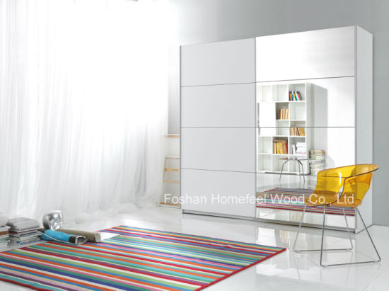 Warm White Color Wardrobe with Sliding Doors (HF-EY0731G)