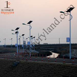 90W IP68 Solar Street Light with Ce&RoHS&FCC Listed pictures & photos
