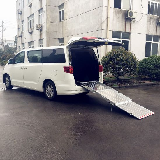 e106e42ec2 Manual Wheelchair Loading Ramp for Van with Loading 350kg pictures   photos