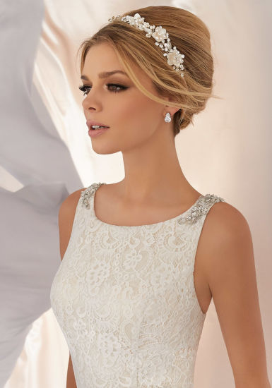 Lace Bridal Gowns Beaded Jewelry Neckline Beach Garden Wedding Dress Lb6866 pictures & photos