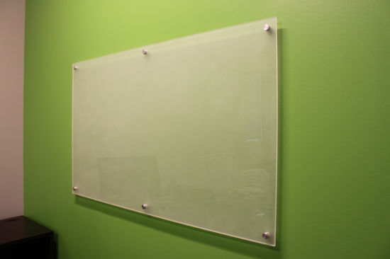4mm 6mm High Quality Tempered Magnetic Glass Whiteboard with En12150 Asnzs 2208 BS62061981 pictures & photos