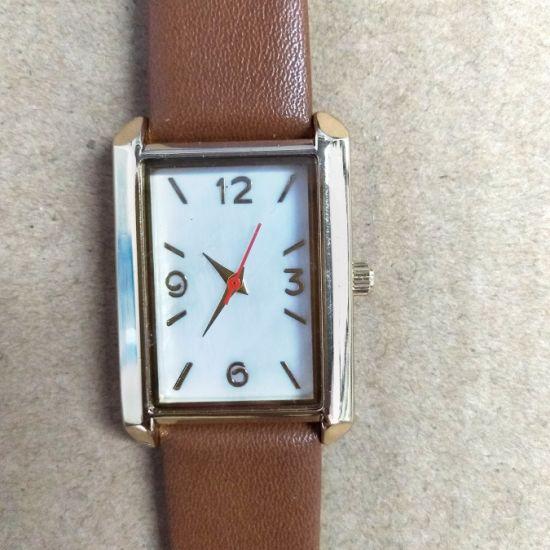 Factory New Fashion Design Ladies Gift Wrist Watches (cm0011)