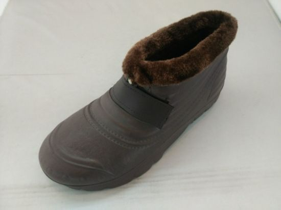 Wear Soft and Winter Snow Men′s Boots (TNK60028) pictures & photos