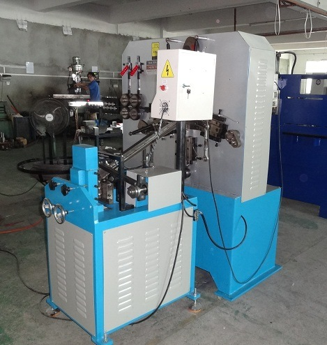 2016 Metal Hanger&Hook Making Machinery (GT-HM5) pictures & photos