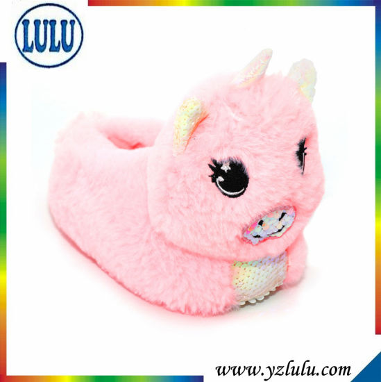 Winter Indoor Shoes Soft Stuffed Animal Toy Pig Plush Slippers pictures & photos