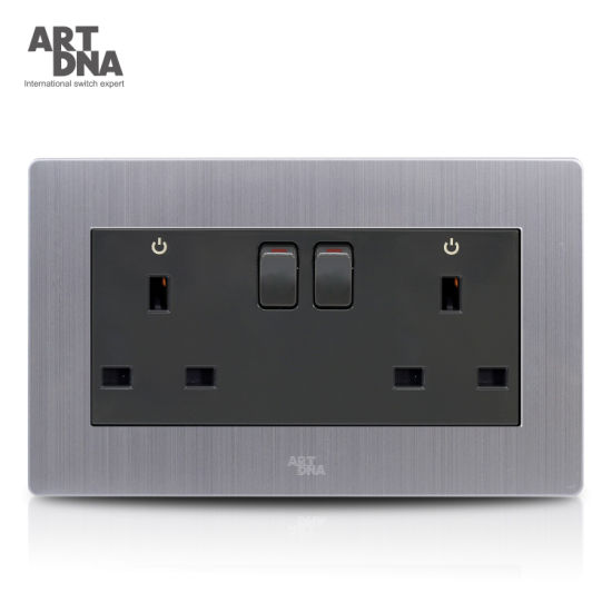 China 147 Type Double 13A British Switched Wall Socket with LED