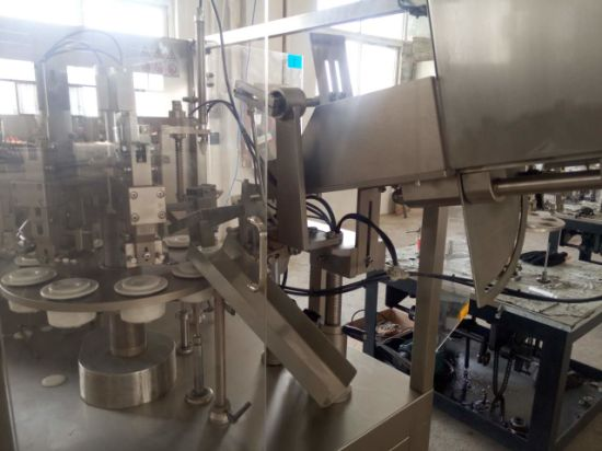 Stirrer Automatic Hose Filling and Sealing Machine pictures & photos