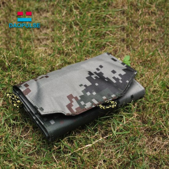 15W Foldable Solar Charger for Mobile Phone with Dual USB Port pictures & photos