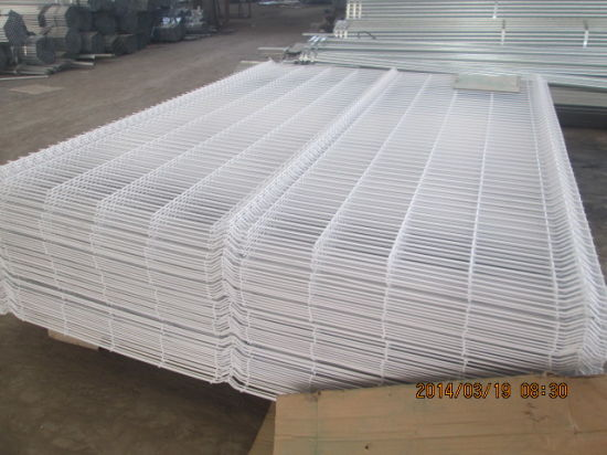 China PVC Painting 3.5mm Wire Diameter Safety Wire Mesh Fence ...