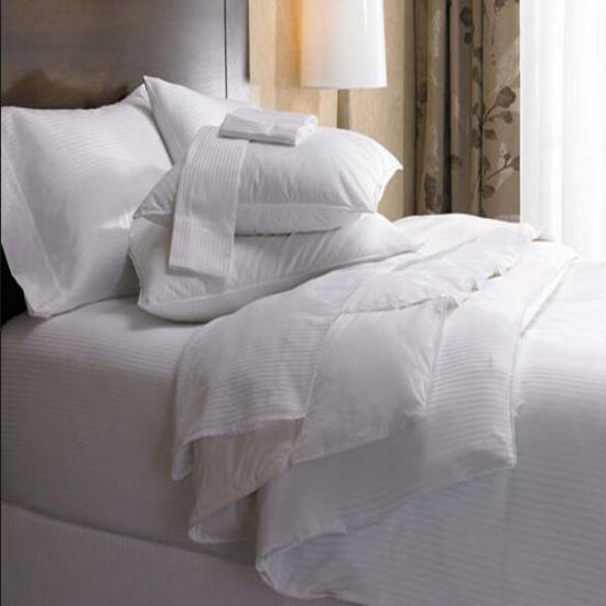 Hotel Collection King Siberian White Down Comforter Sets (DPF1023) pictures & photos
