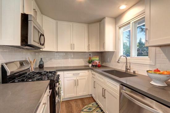 China Linen White Shaker Vanity Kitchen Cabinets Manufacturer