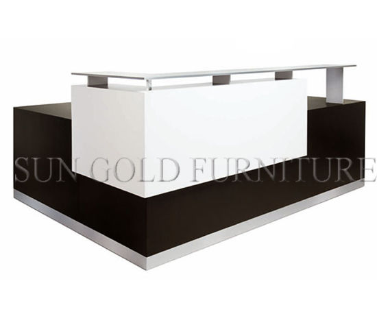 Modern Appearance L Shape Glass Top Office Reception Desk (SZ-RT034) pictures & photos