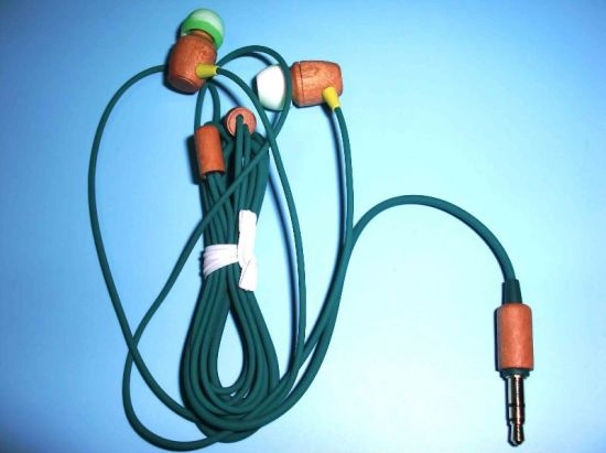 Wooden Wired Earphone, Adjustable for Various Ear Sizes