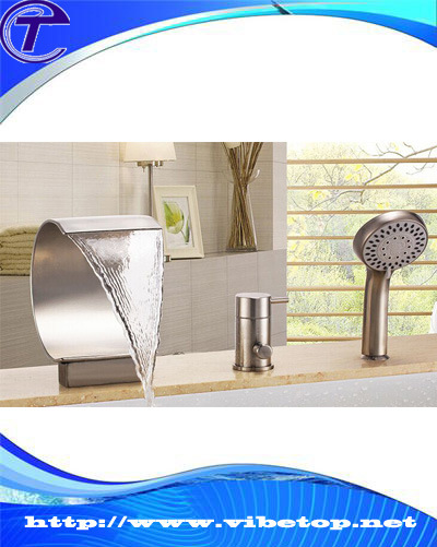 New Arrival Art Simple Design Golden Bathtub Fittings pictures & photos