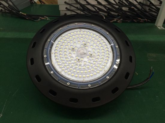 LED High Bay Light 50W 100W 150W 200W with 130lm. W pictures & photos
