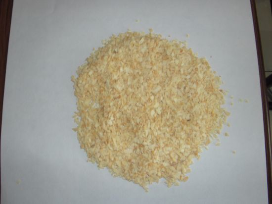 Dry Garlic Granules pictures & photos