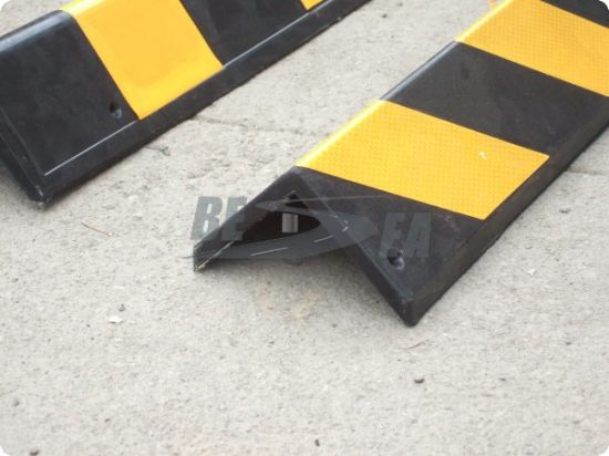 Black & Yellow Rubber Square Angle Wall Corner Protector (DH-129) pictures & photos