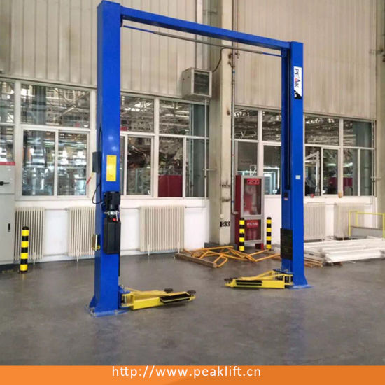 Clearfloor Chain-Drived Garage Two Post Car Lift Hoist with Ce (208C) pictures & photos