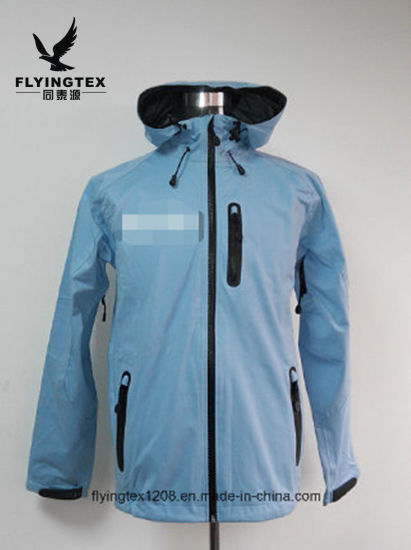 100% Polyester Men′s 3 Layers Hoody Jacket and Clothes pictures & photos