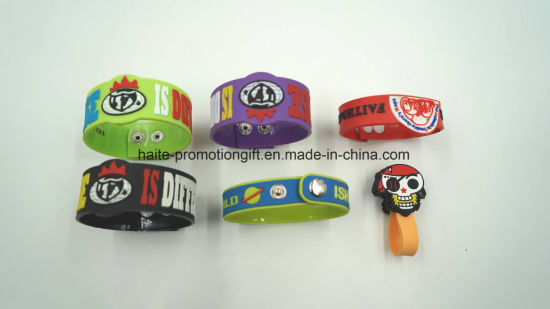 Wholesale Custom 3D Embossed Brand Name Logo Soft PVC Rubber Patches for Garment Accessories