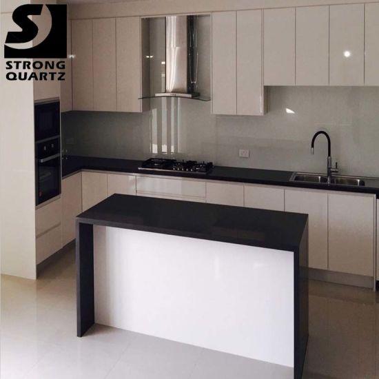 China Black Artificial Stone Quartz Countertop With Kitchen Cabinet