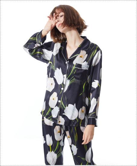 China Fashion Custom Print Silk Pajama Set Long Sleeve Sleepwear