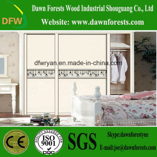 China Hot Sale Wardrobe with 3 Doors pictures & photos