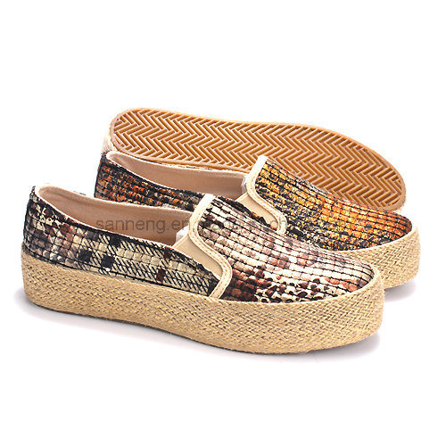 Women Hemp Rope Shoes with Platform Design