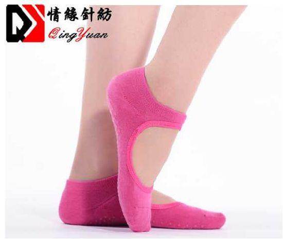 Pure Barre Ideal for Pilates Ballet Barefoot Workout,Black Grey Red 3PACK Dance Yoga Socks for Women Non-Slip Grips /& Straps