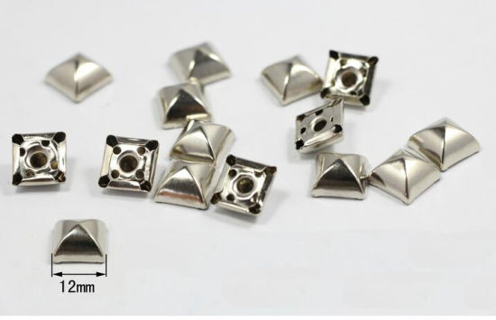 b7ac1adc3f4 China Bag Accessories of Metal Studs for Leather Belt - China Metal ...