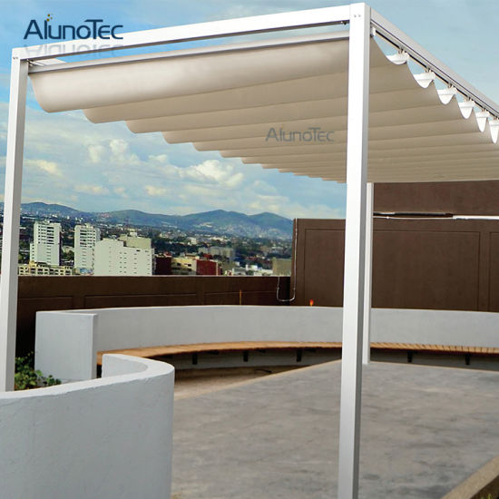 China Free Standing Fabric Retractable Awning with LED Lights