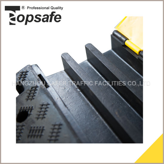 5 Channel Rubber Cable Protector pictures & photos