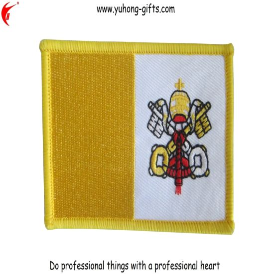 Piping Edge Embroidered Badge (YH-EB024) pictures & photos