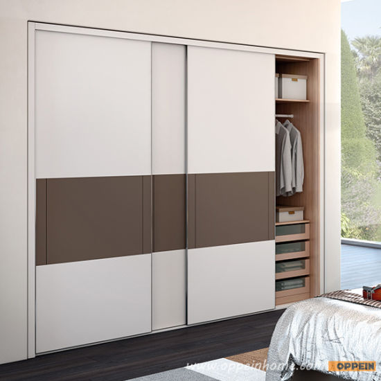 Oppein Melamine Sliding Door Built in Wooden Bedroom Wardrobe (YG91553)