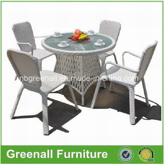 White Outdoor Rattan Wicker Dining Chair and Table Set Furniture pictures & photos