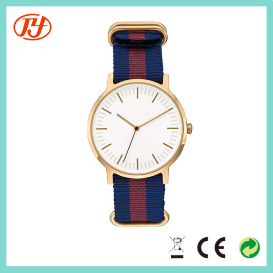 Small MOQ Customize New Men′s Casual Quartz Watch pictures & photos